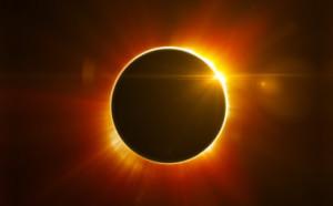 Ilustrasi-Gerhana-matahari-Front-Roll