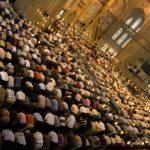 Amalan-Amalan Berpahala Seperti Shalat Malam (1) Melaksanakan shalat Isya dan Fajar dalam keadaan berjamaah