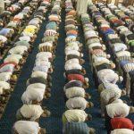 Amalan-Amalan Berpahala Seperti Shalat Malam (3) Melaksanakan shalat tarawih semuanya bersama imam